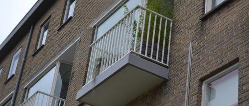 Spijlhekwerk balkons Hilversum RAL 9010